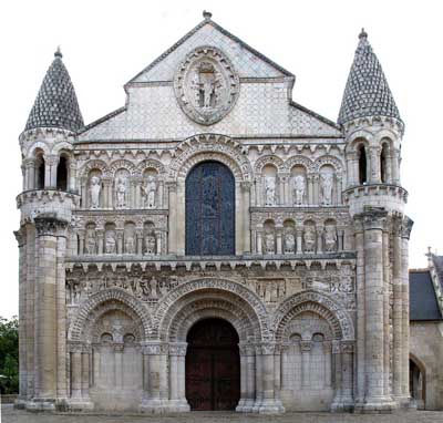 Cathedral in Poitiers (Poitiers), the Department of Vienne (Vienne), France.
