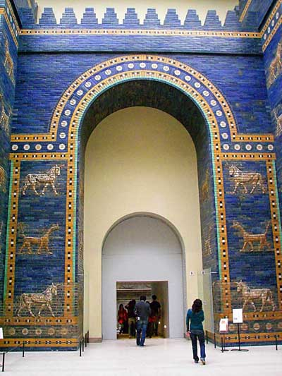 Babylonian Ishtar gate (the Bode Museum, Berlin).