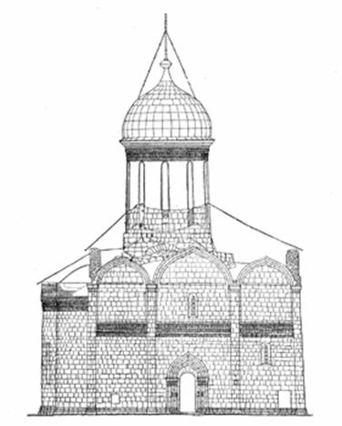 Trinity Cathedral in the Trinity-Sergius Lavra (Wealden). Note the sloping walls, playing the role of buttresses.