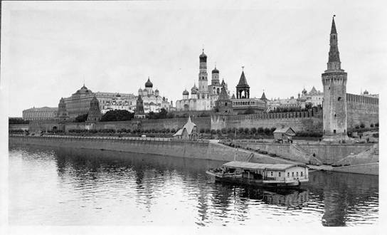 The Moscow Kremlin on pictures 1909.