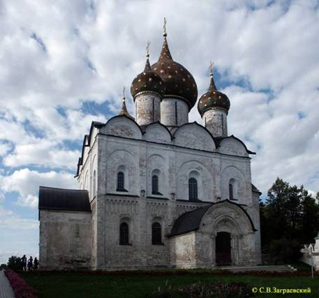 The virgin Nativity Cathedral in Suzdal.
