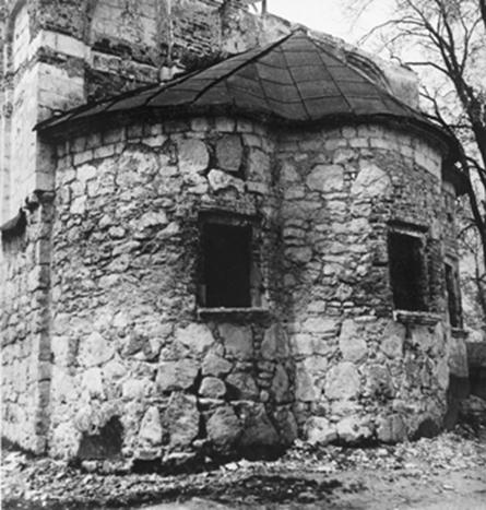 The laying of the apses Gorodishche Church without plaster (1970-ies).