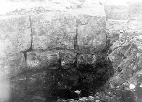 Кладка церкви-колокольни Иоанна Лествичника. Фрагмент фотографии 1913 года.