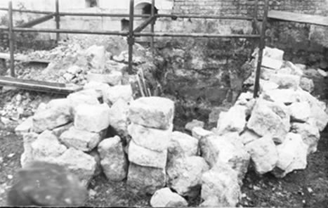 The stones from the excavations Kavelmahera and Have in Mozhaisk.